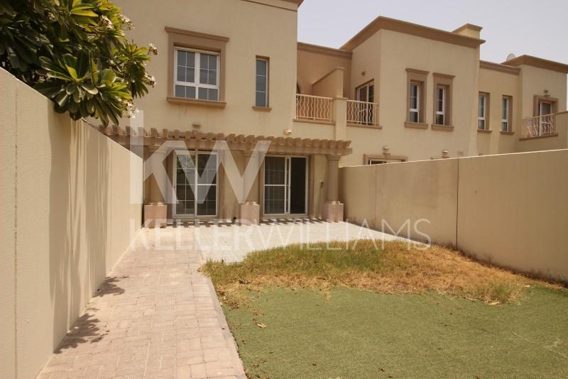 Sunny 2 Bedroom Villa With Maids On Quiet Cul De Sac