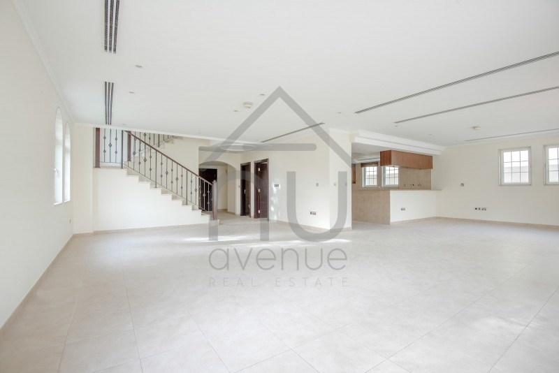 Immaculate In Demand Legacy 4 Bed   Corner Plot