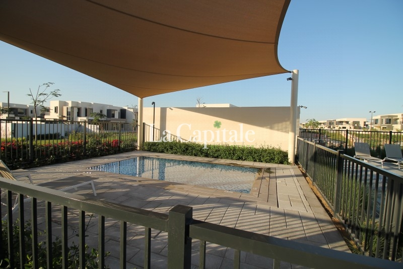 On the Pool and Park | Large 5 Beds | Type 3E