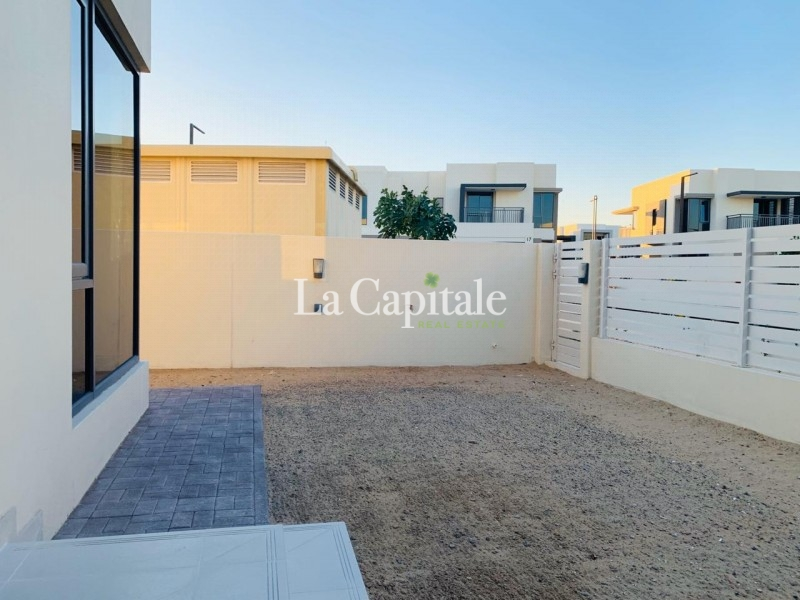 On the Pool, Park | Large 4 Beds | End unit