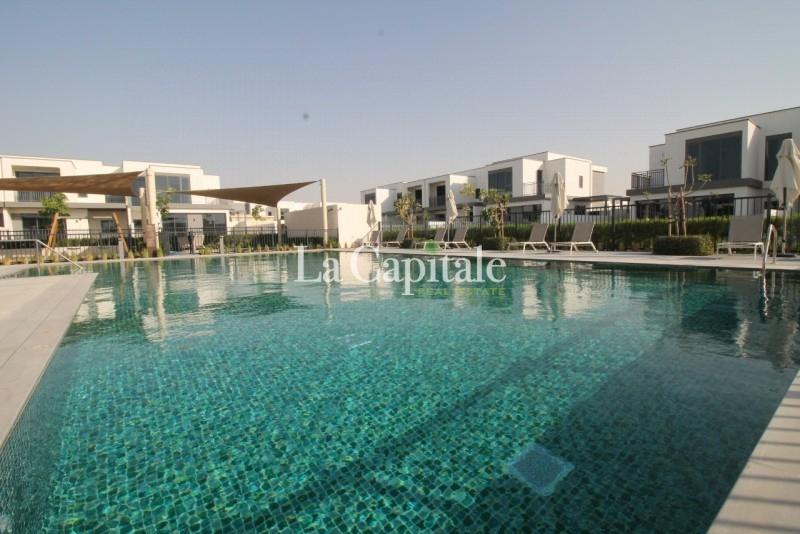 On the Pool, Park | Single Row | End unit