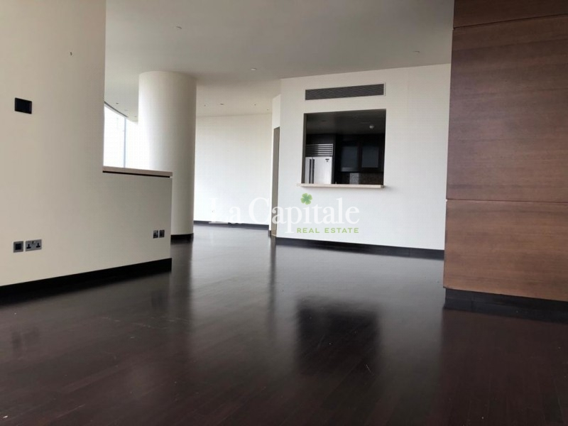 Rare Unit|2 Beds+Maids| Two sided view