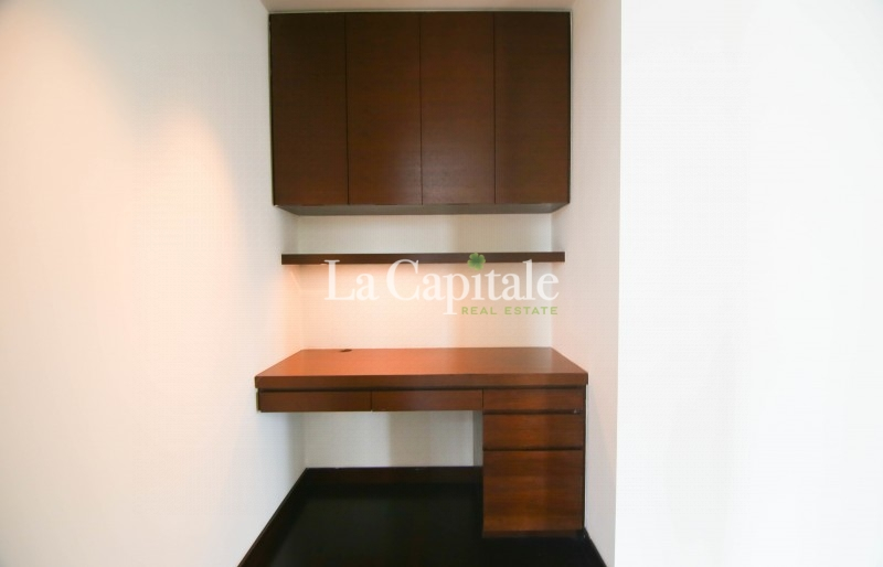 DIFC view || Single Lift || 2 Beds