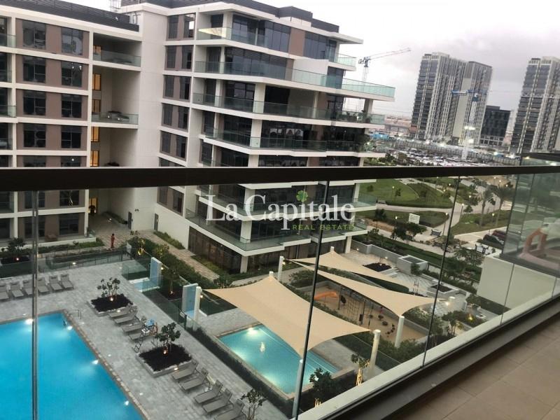 Full Pool,Park view| Bright Apt| High floor